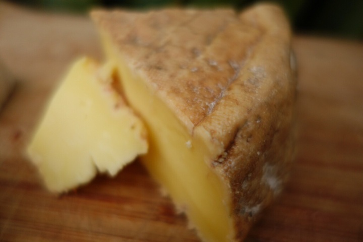 Kinzett Creek is a delicious cheese to nibble with a malty ale or a rich white wine.
